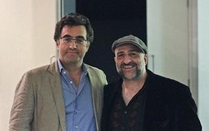 Le journaliste Maziar Bahari avec le comédien Omid Djalili à la première britannique du film de M. Bahari, To Light a Candle (Allumer une bougie), le 12 septembre 2014.