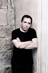 Dernièrement, le cinéaste Mohsen Makhmalbaf a apporté lui aussi son appui pour le droit de la communauté bahá'íe d'Iran d'accéder à l'enseignement supérieur. (Photo de courtoisie/Jeffdelonge)