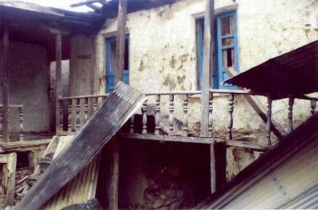 La maison de M. Abdolbaghi Rouhani, baha'i d'Ivel, après qu'elle ait été incendiée par des pyromanes inconnus en mai 2007.
