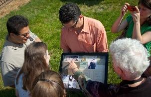 Après la célébration du centenaire, le 12 mai 2012, de la visite de 'Abdu'l-Bahá à Washington D.C., les participants ont fait une visite libre dans les 41 endroits associés à son séjour et ils ont examiné des documents se rapportant à l'histoire de la foi bahá'íe dans cette ville.