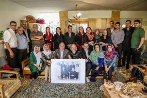 Des Iraniens influents, des militants des droits de l'homme, des journalistes et un éminent chef religieux réunis dans un rassemblement de solidarité sans précédent pour commémorer le sixième anniversaire de l'emprisonnement de sept anciens responsables bahá'ís en Iran.