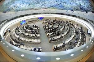 Les participants à la 16ème session du Conseil des droits de l'homme à Genève, en Suisse. Pour la première fois depuis 2005, le Conseil a nommé un enquêteur spécial pour surveiller la conformité de l'Iran avec les normes internationales des droits de l'homme. crédit photo ONU-Jean-Marc Ferré.