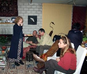 Offrir l'hospitalité: soirée conviviale à Heguenheim (Haut-Rhin) à l'occasion des Jours de Há en 2007.