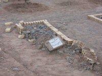 Tombe profanée au bulldozer en juillet 2007 dans le cimetière de Yazd.