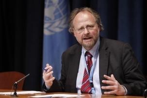 Heiner Bielefeldt – le rapporteur spécial sur la liberté de religion ou de croyance des Nations unies – décrivant la situation des bahá'ís en Iran comme « l'un des cas les plus flagrants de persécution étatique ». Photo ONU/Paulo Filgueiras