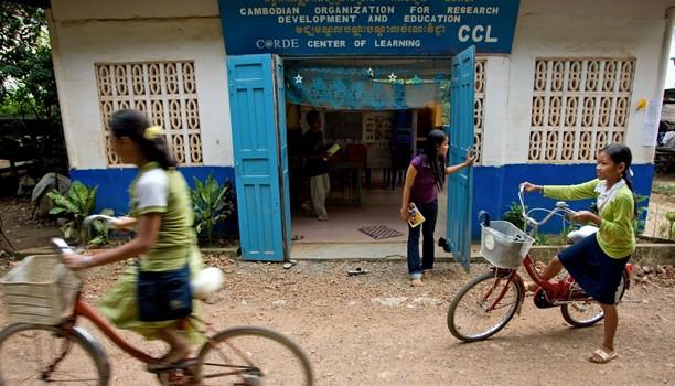 Organisation non-gouvernementale de recherche pour l'éducation et le développement à Battambang (Cambodge)