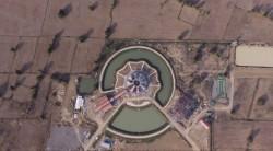 Vue aérienne montrant les progrès réalisés dans la construction de la maison d'adoration bahá'íe locale à Battambang, au Cambodge.
