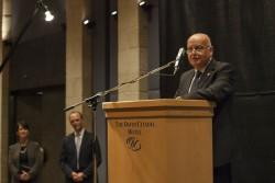L'honorable Salim Joubran, juge à la Cour suprême d'Israël, parlant à la réception. Le juge Joubran, qui prend sa retraite cette année, a été mis à l'honneur pour son service public et ses contributions à la coexistence.