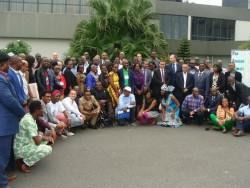 La réunion de consultation régionale pour les groupes majeurs et les parties prenantes de l'Afrique du 10 au 11 juin 2017 à Libreville, au Gabon. Le représentant de la CIB, Solomon Belay, est assis 3e à partir de la gauche.