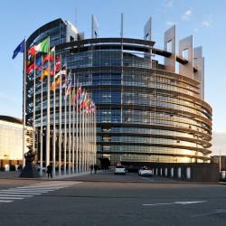 Le bâtiment du Parlement européen. Plus de 100 membres du Parlement européen et des parlements nationaux à travers l'Europe ont signé une déclaration appelant à la libération de tous les prisonniers bahá'ís yéménites. (Photo obtenue par Wikimedia Commons)