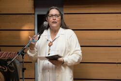 Deloria Bighorn, présidente de l'Assemblée spirituelle nationale des bahá'ís du Canada