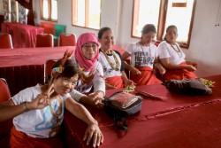 Enseignants des écoles établies par l'YBTI assistant à la conférence.
