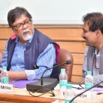M. Chandan Mitra, directeur général et rédacteur du journal The Pioneer, et M. K.G. Suresh, directeur général de l'Institut indien de communication de masse (IIMC), ont pris la parole lors de la table ronde, intitulée « Relater la religion avec sensibilité et compréhension dans un monde interdépendant », qui s'est déroulée samedi 12 juillet, à New Delhi.