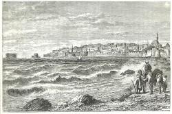 """Dessin d'un livre publié dans les années 1880 représentant Akka depuis une plage à l'ouest de la ville. La porte de la mer est près du bord gauche de la digue. (Source : W.M. Thompson, """"The Land and the Book"""")"""