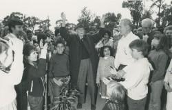 À l'âge de 91 ans, St. Barbe participe à une cérémonie commémorant le
