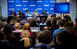 Plus de 70 personnes ont participé à un séminaire d'une journée sur la radicalisation, organisé par la communauté bahá'íe d'Espagne en collaboration avec plusieurs autres organisations. Le séminaire s'est tenu le 26 octobre au Centre d'études universitaires associé à l'université Roi Juan Carlos de Madrid.