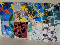 Des élèves de différents niveaux scolaires ont collaboré à ce projet artistique.