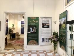 Un aperçu de l'exposition organisée par le Bureau des affaires extérieures des bahá'ís de France à l'occasion du bicentenaire de la naissance du Báb.
