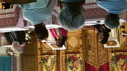 Dimanche 18 octobre de 14h à 15h30, Mme Nadafi (à gauche sur la photo) était présente à la Paroisse roumaine orthodoxe de Strasbourg avec trois autre représentants des religions.