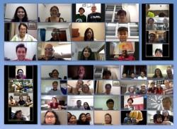 Réunion en ligne pour une récente Fête des dix-neuf jours à Singapour. Peta Yang, membre de la communauté bahá'íe du pays, affirme que la Fête a joué un rôle important pendant la pandémie. « Ces rassemblements réguliers sont un puissant remède à l'isolement. »