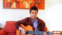 L'émission était entrecoupée de prières récitées et chantées en espagnol et dans les langues des peuples mapuche et quechua.