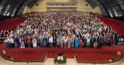 La dernière Convention internationale pour élire la Maison universelle de justice a rassemblé en avril 2018 environ 1 000 délégués en provenance de 153 pays et territoires. La prochaine Convention internationale aura lieu en 2023.