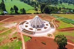 Vue aérienne de la maison d'adoration bahá'íe de Matunda Soy, au Kenya