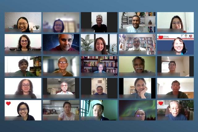 Des fondateurs et des directeurs de différentes organisations réfléchissent au rôle des organisations de la société civile dans la promotion de l'unité, lors d'une série de discussions organisées par le Bureau bahá'í des affaires extérieures de Malaisie.