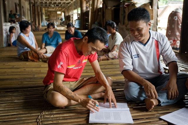 L'un des objectifs des initiatives éducatives des bahá'ís de Malaisie est de renforcer les capacités de servir la société et de favoriser une plus grande d'unité entre divers groupes de personnes.