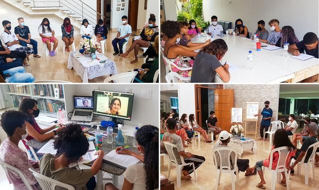 Différents groupes de jeunes de Vila do Boa participent à des programmes éducatifs bahá'ís qui développent leur capacité à analyser la réalité sociale, à identifier les besoins de leurs communautés et à entreprendre des activités d'action sociale.