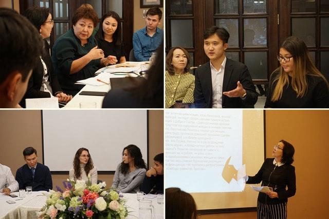 Participants à différentes réunions de journalistes et d'autres acteurs sociaux organisées par le Bureau des affaires extérieures.