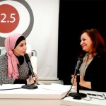 Taghreed Al Doghmi, présentateur à Radio Al-Balad, et Tahani Ruhi, du Bureau bahá'í des affaires extérieures, explorent le potentiel des médias en tant que force de progrès social.